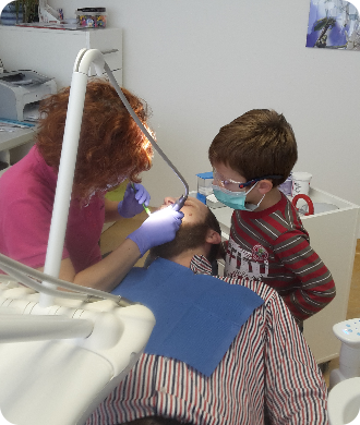 Pri prvej návšteve u stomatológa nemusí ísť o ošetrenie.